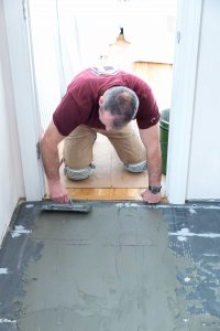 Floor build-up with floor heating in a bathroom