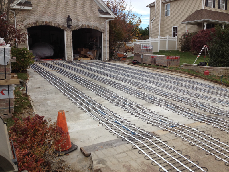 Heated walkway mats